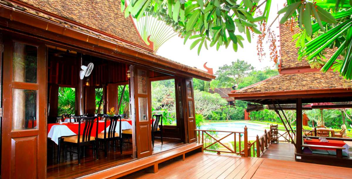 Sugar Hut Restaurant Pattaya Serves Halal Food in Thai Villa Ambience