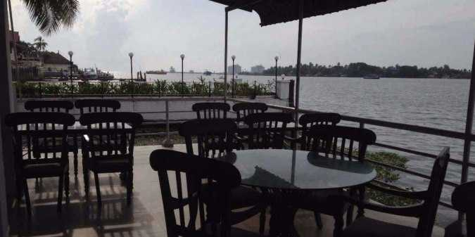 Seagull, Fort Cochin, Nightlife in Kochi