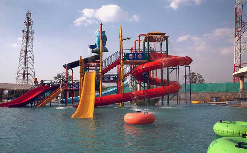 Sentosa Resorts and Water Park,  Water parks in Pune