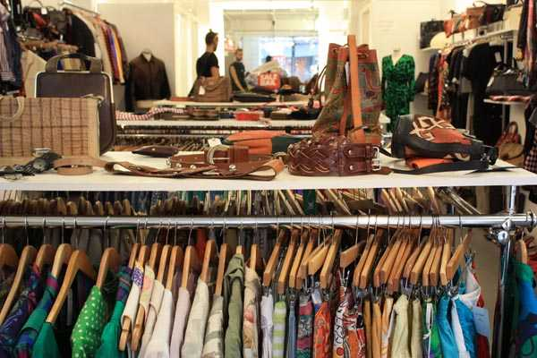 67dfaa2466aba 8 Best Places For Shopping in Agra - Holidify