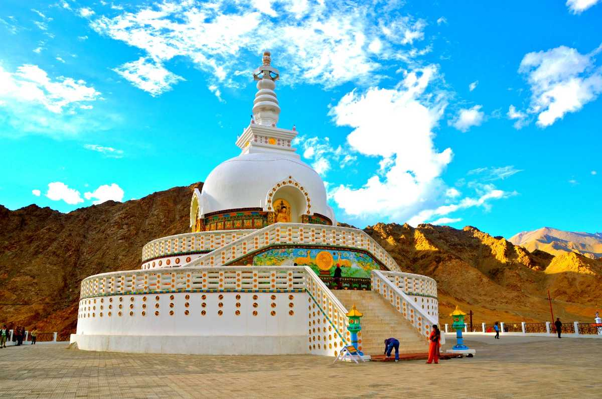 kerala ladhaak Ladakh is an unexplored himalayan wonderland leh, the capital of ladakh is set amidst snow capped hills and is that the center of tibetan-buddhist culture.