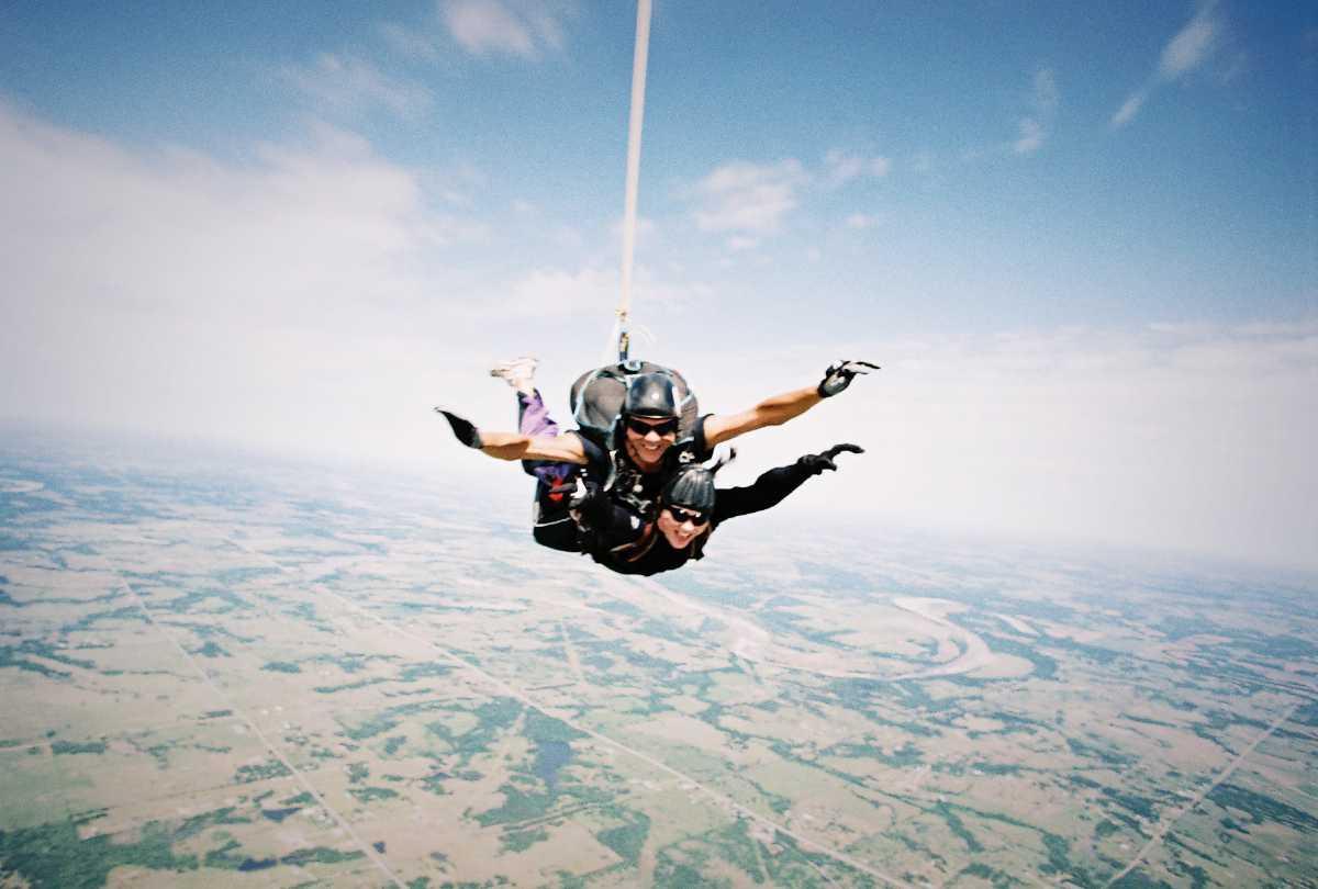 tandem skydiving in dubai