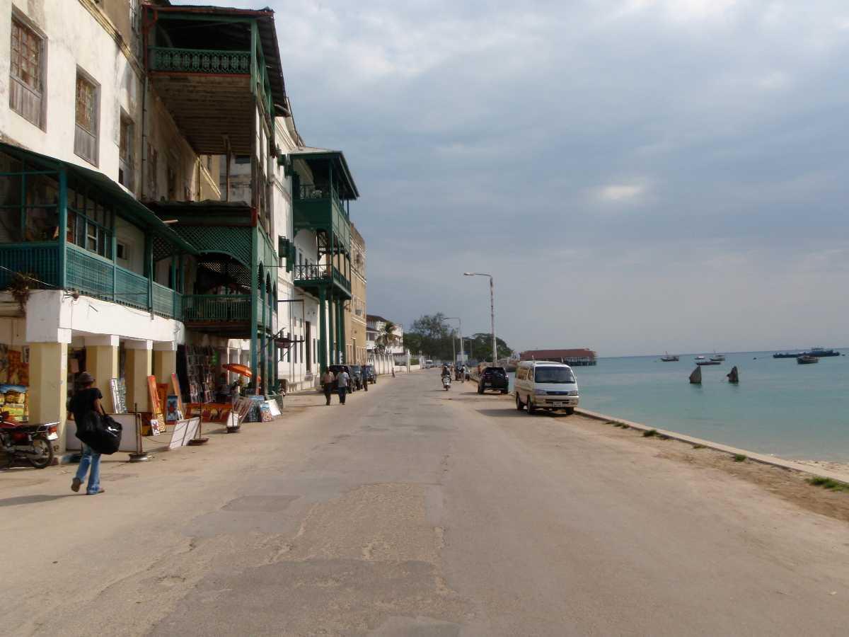 Accessibility and Getting Around,  Zanzibar vs Seychelles
