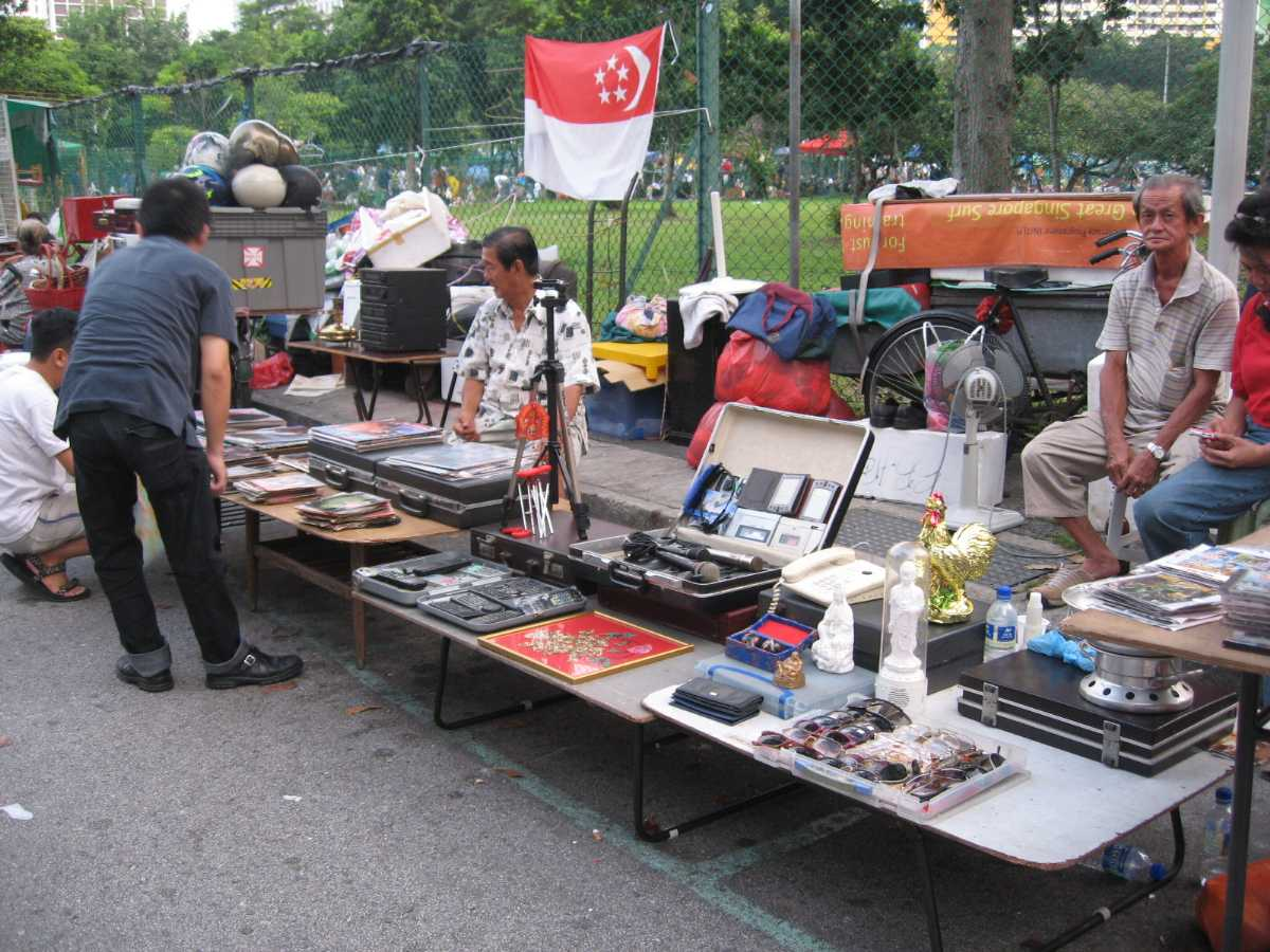 Cheap Shopping in Singapore Sungei Road Thieves Market