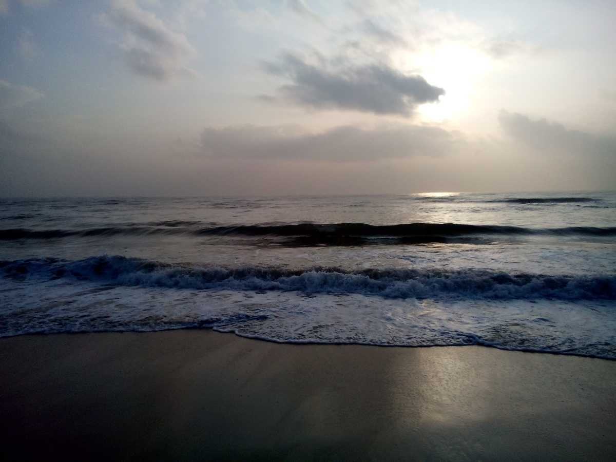 romantic places in chennai, besant nagar beach