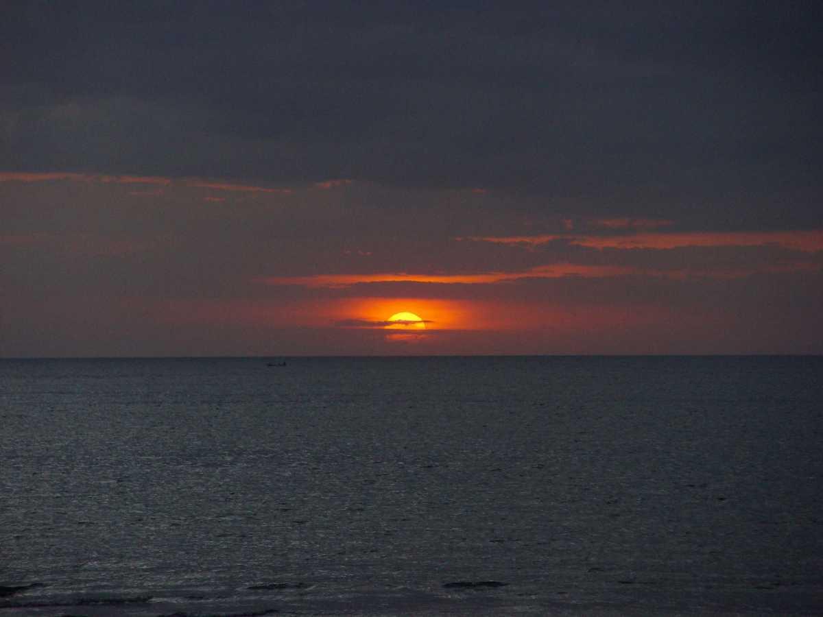sunrise, sunrise in bali, lovina beach
