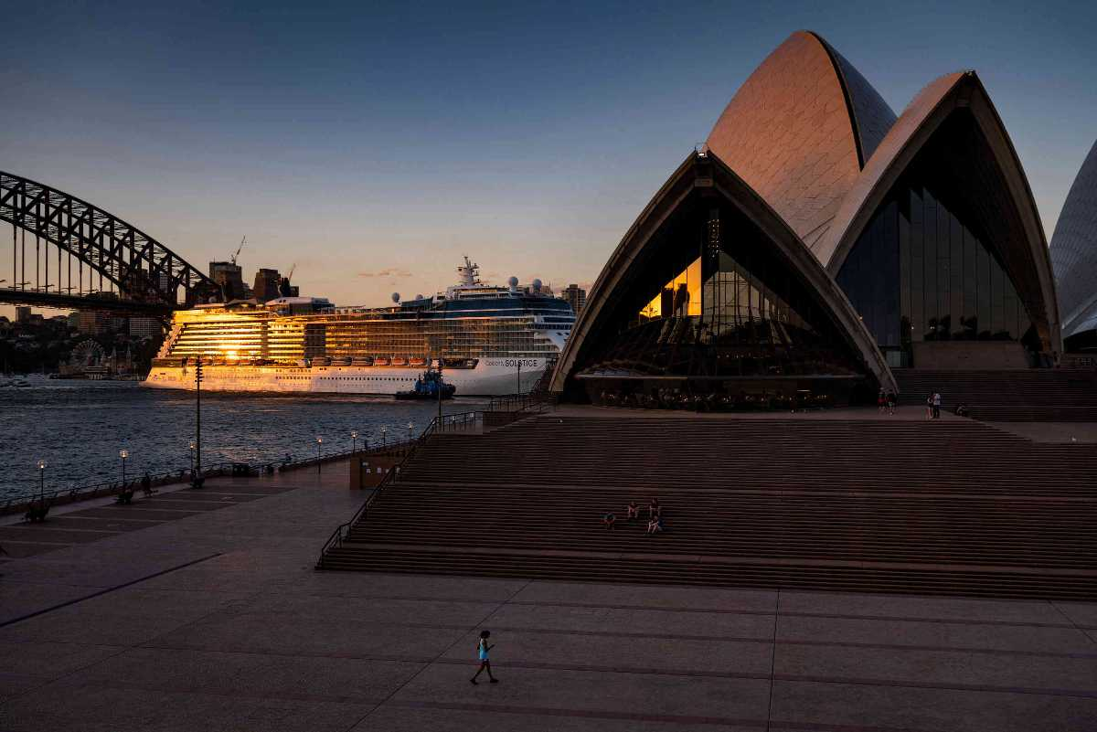 Sunset is normally prime photo-taking time at the Opera House.