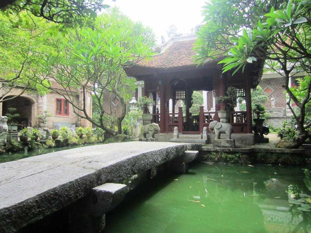 Thanh Chuong Viet Palace Soc Son Mountain Hanoi Vietnam
