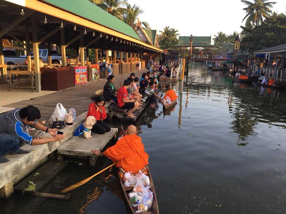 Tha Kha Floating Market Samut Songkhram Thailand