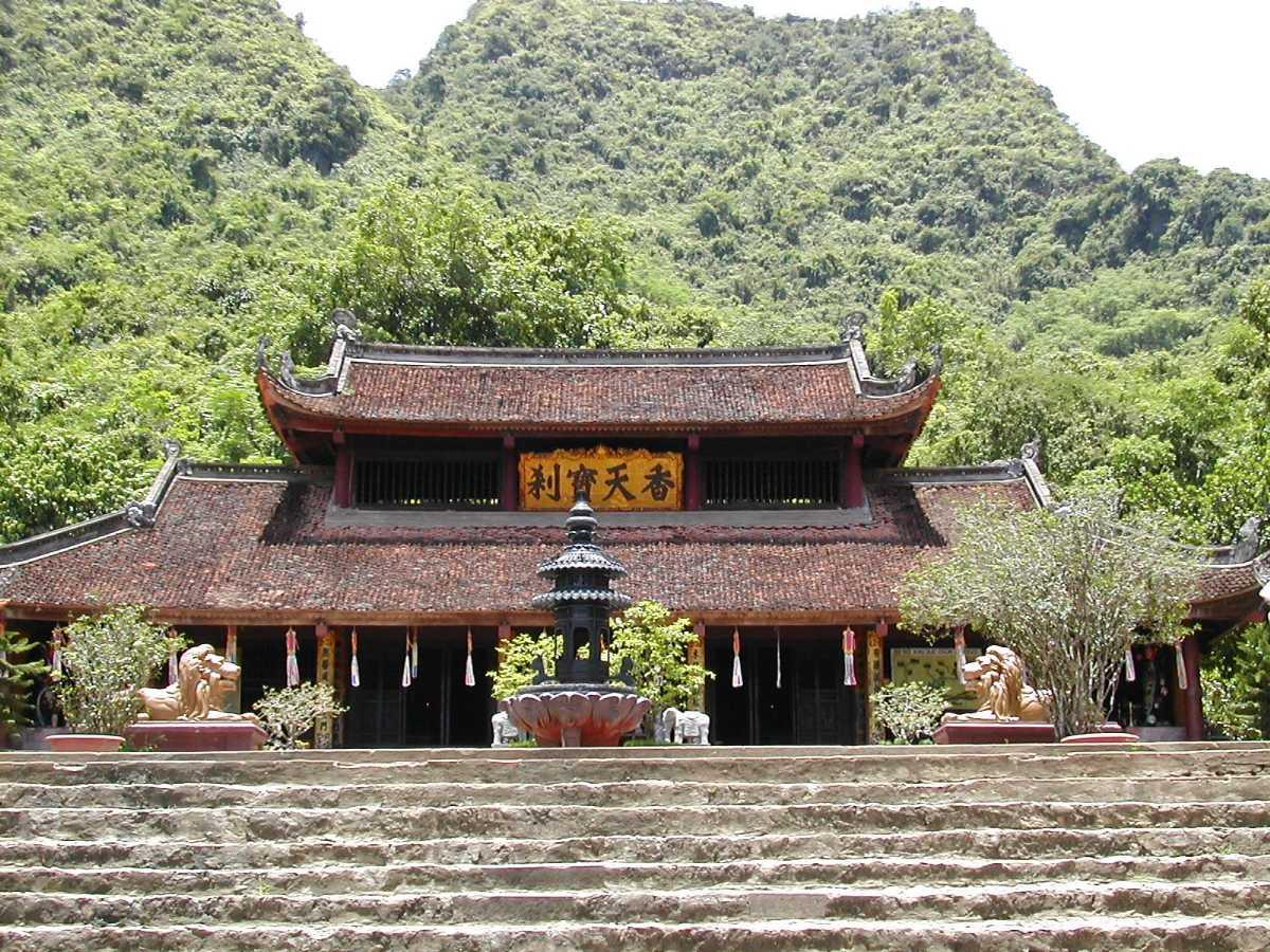 Perfume Pagoda, Buddhist Temples in Vietnam