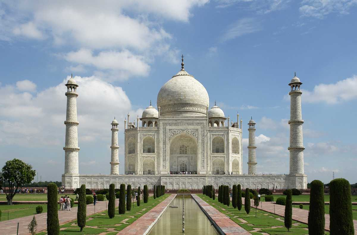 Taj mahal, Palace on wheels