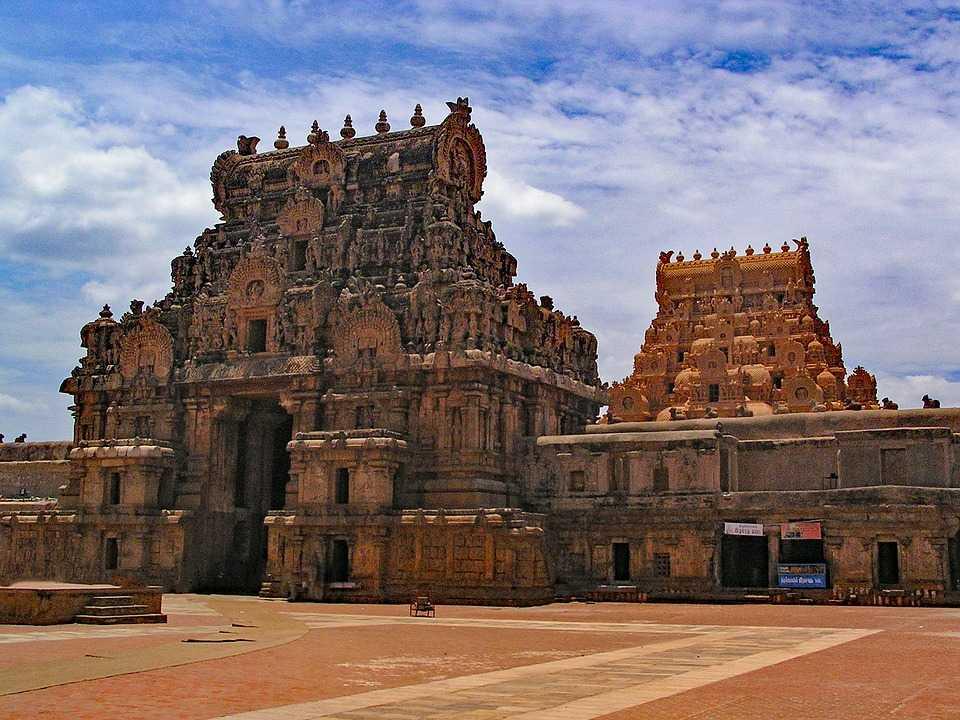 Chola Temples,  The Brihadesvara Temple (Thanjavur)