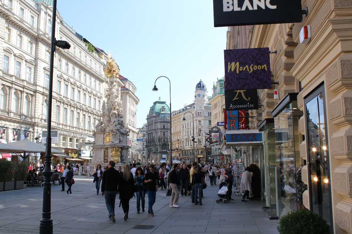 shops, graben street