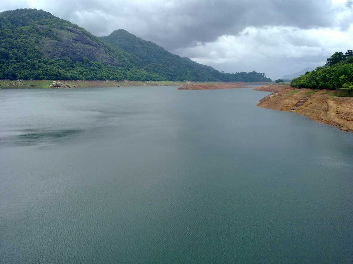 Views of Thenmala Dam