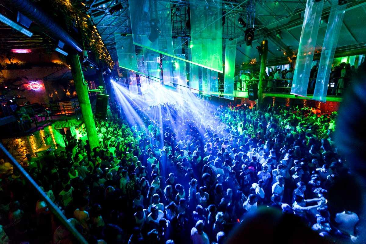 Club Cubana, Nightlife og Goa