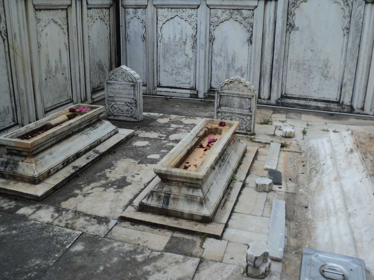 Tomb of Azam Shah