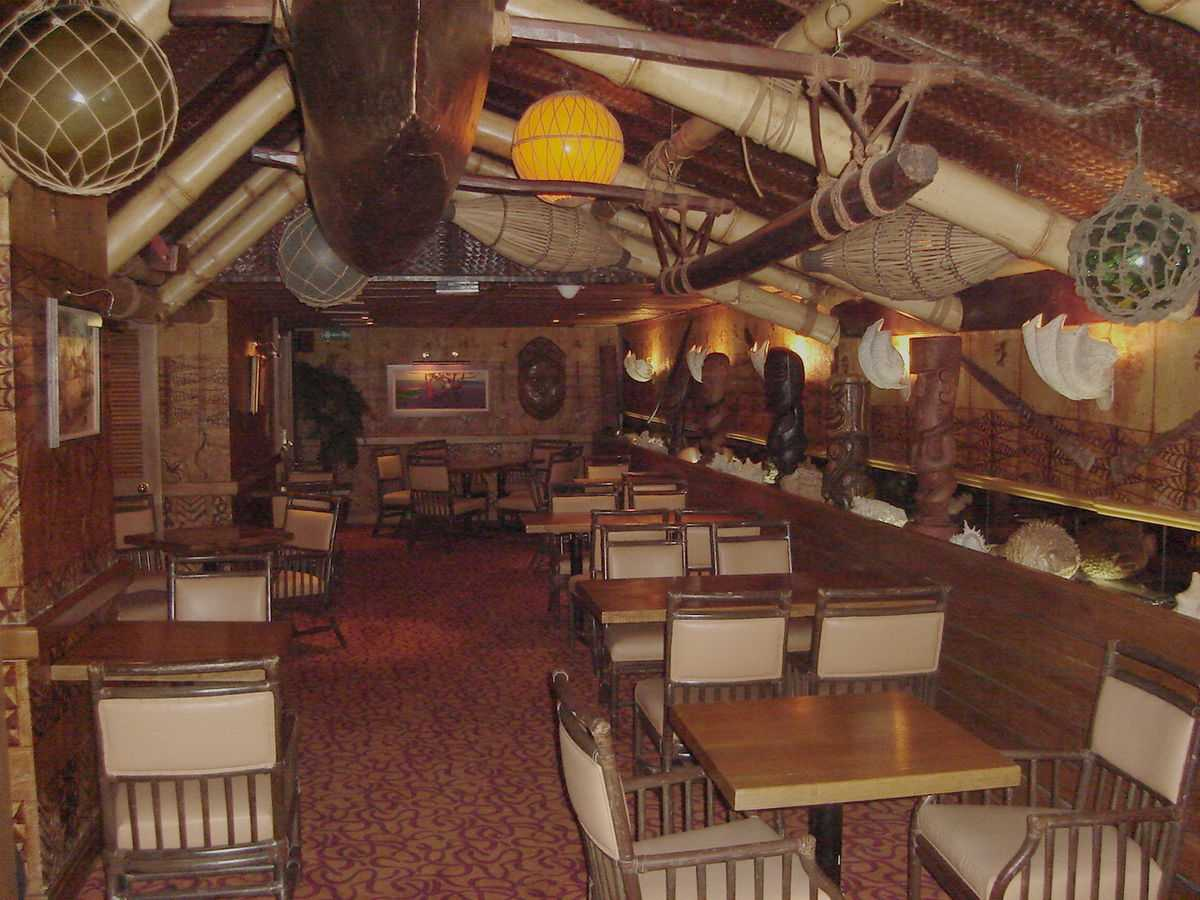 Trader Vic's, Nightlife in Muscat