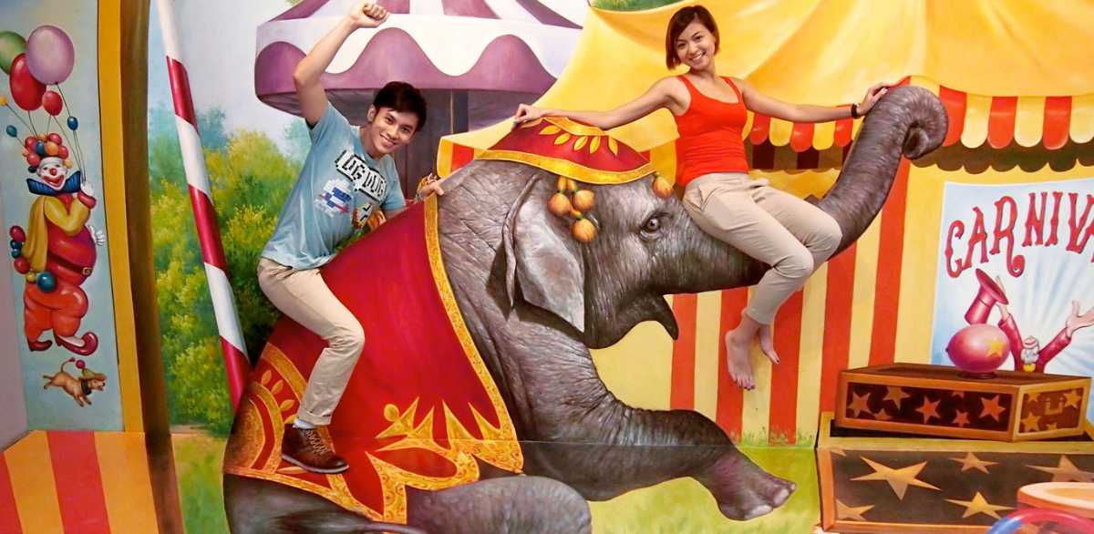 Trickeye Museum, Singapore with kids