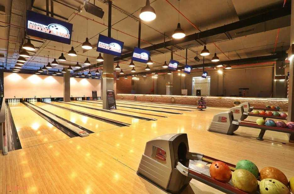 Pitstop Brewpub Bowling & More