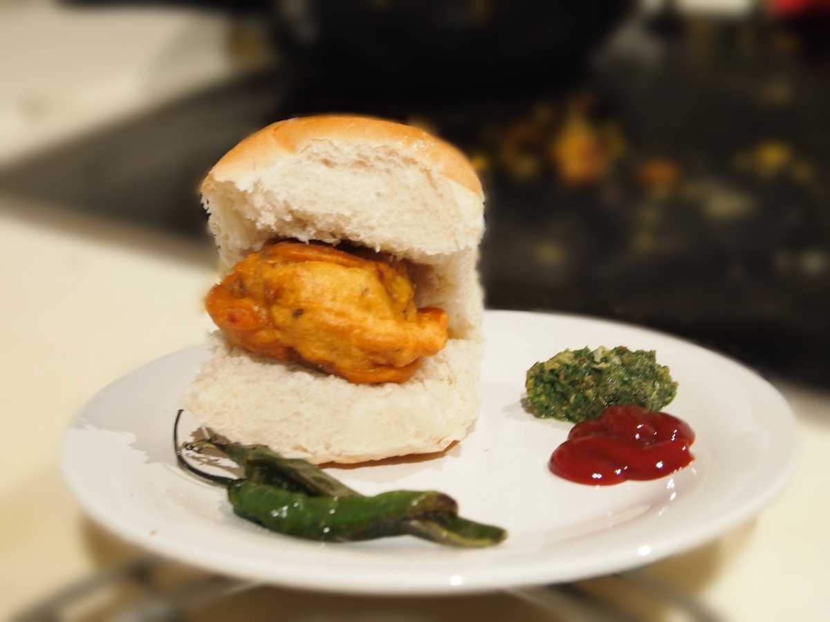 Vada Pav Street food of  Vadodara
