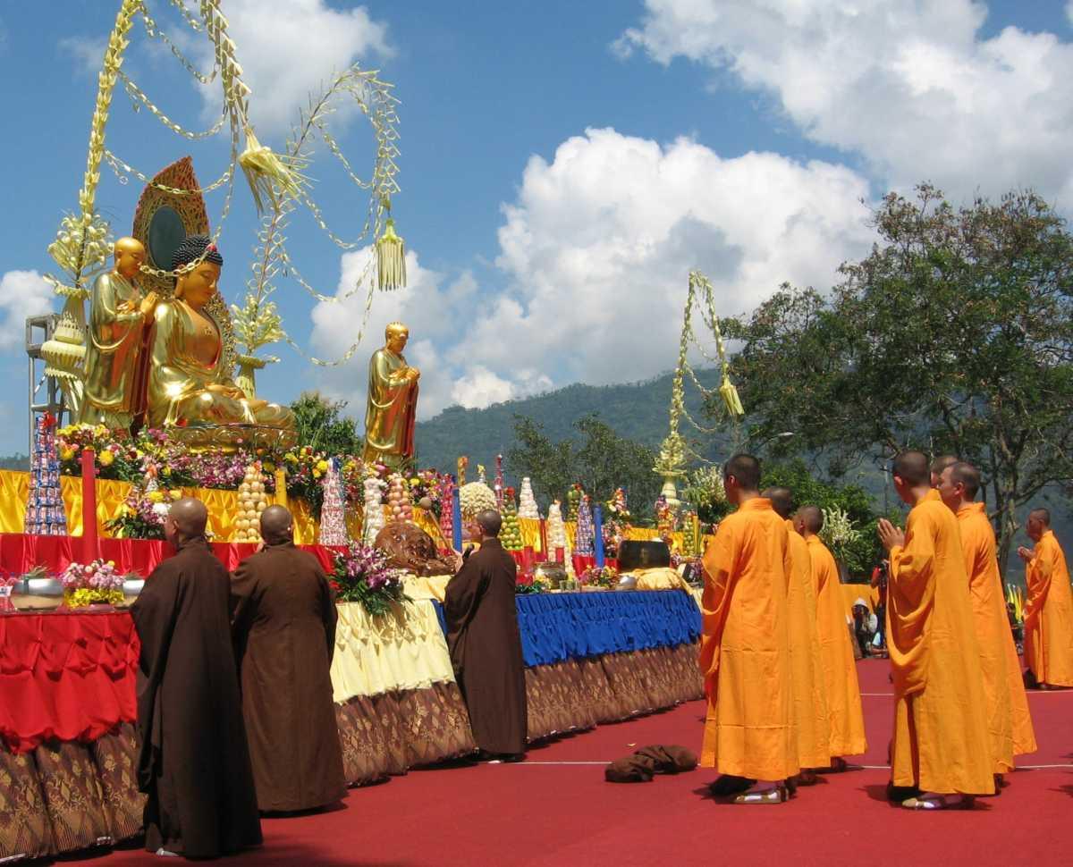 Vesak Poya Festival