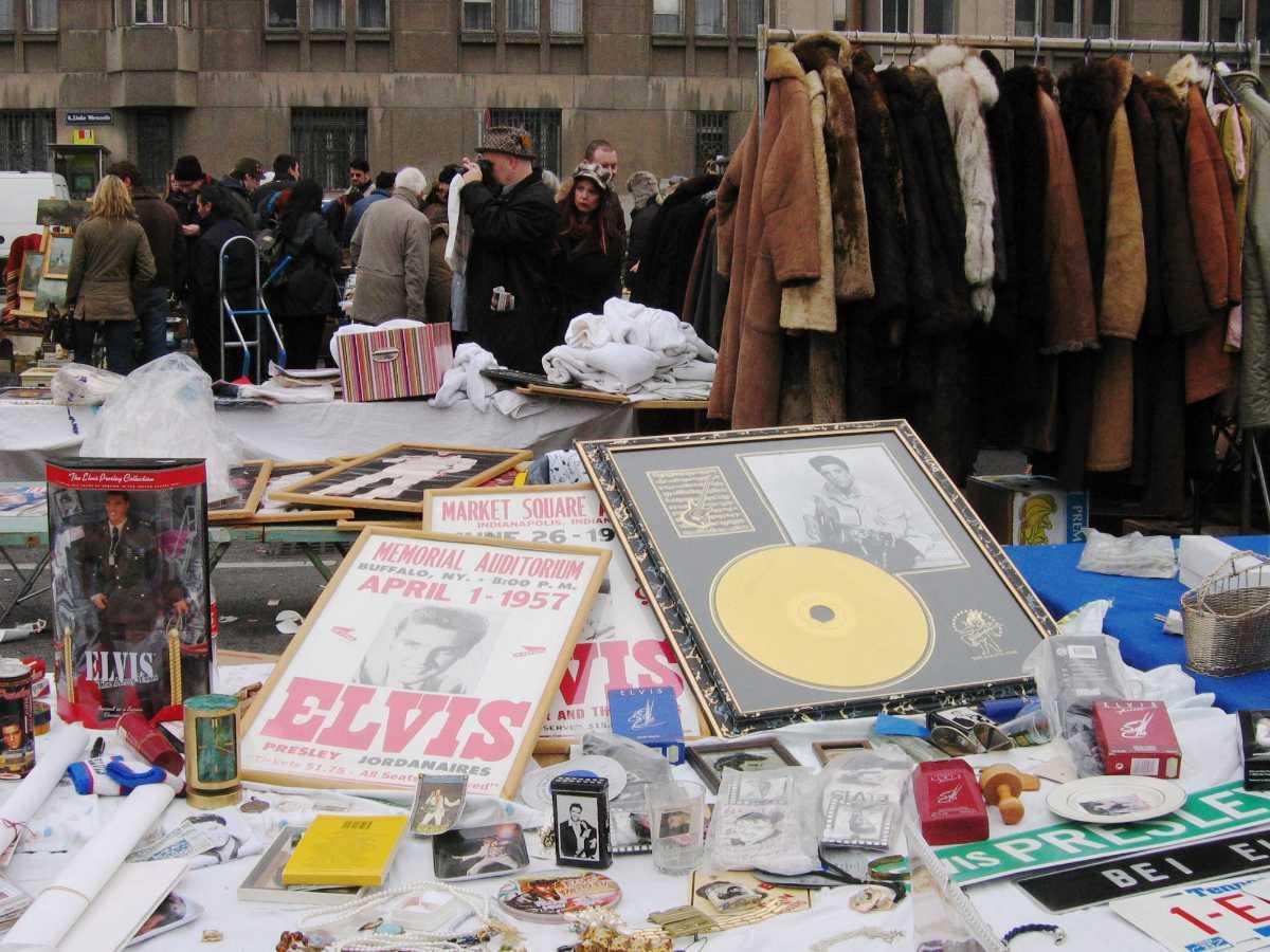 saturday flea market, naschmarkt, vienna