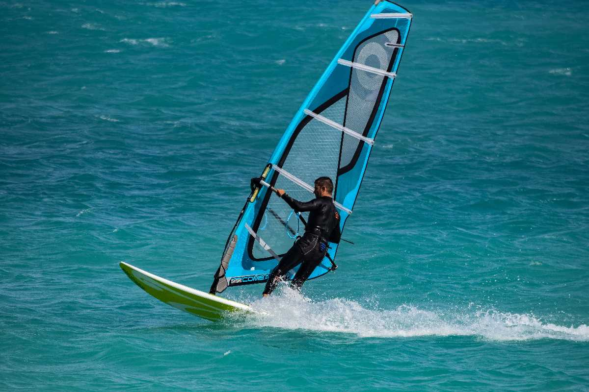Windsurfing in Bentota