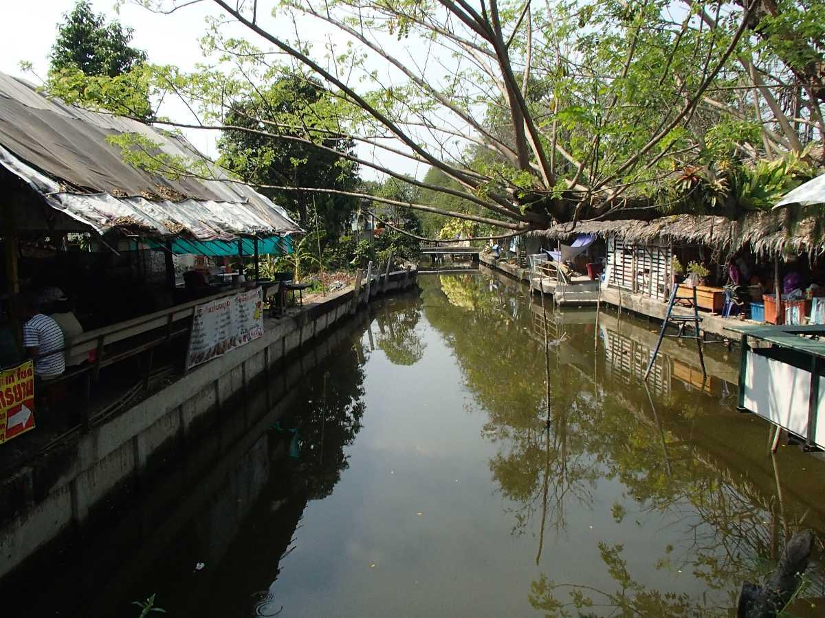 Bang Nam Pheung Floating Market Bang Krachao