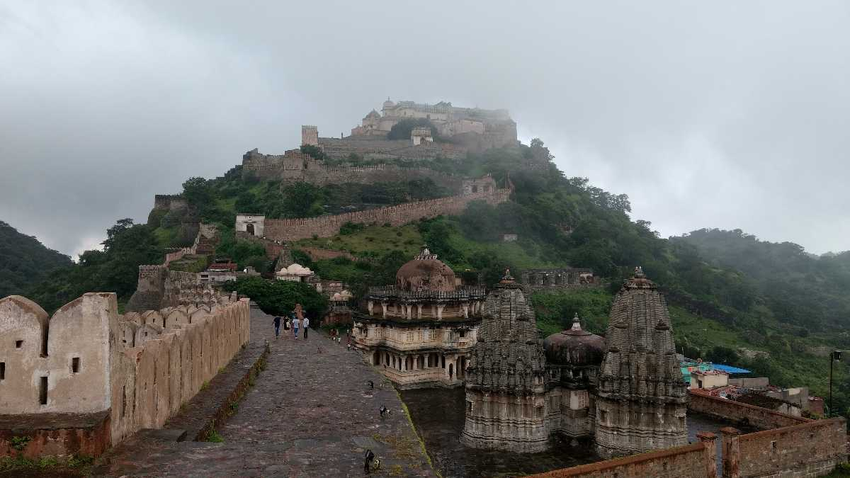 Longest fort wall of Kumbhalgarh Fort