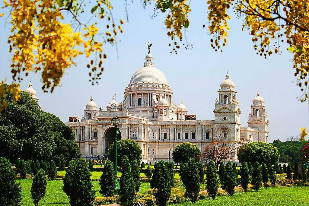 Explore the City of Joy, Kolkata, beyond Victoria, Fish, & Rasgulla
