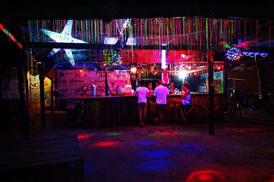 Nightlife in Medan | 13 Pubs, Nightclubs, and Bars for ...