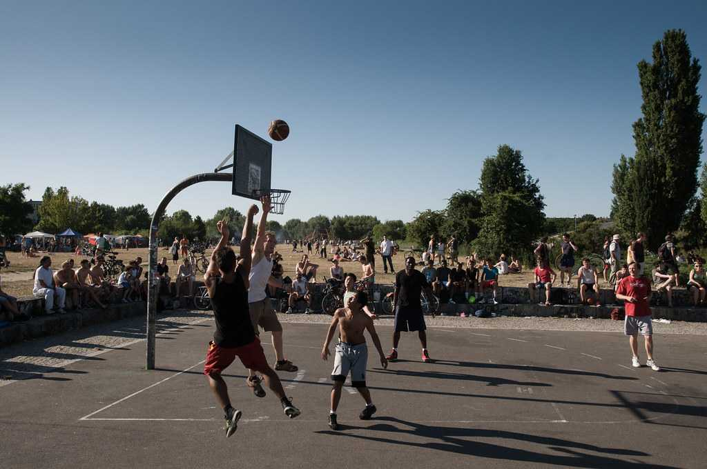 Basketball court  in the Mauerpark