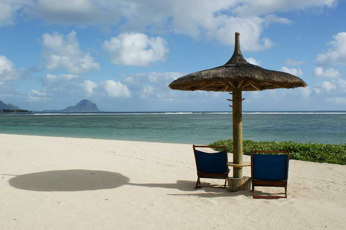 Is Mauritius Safe, intro beach