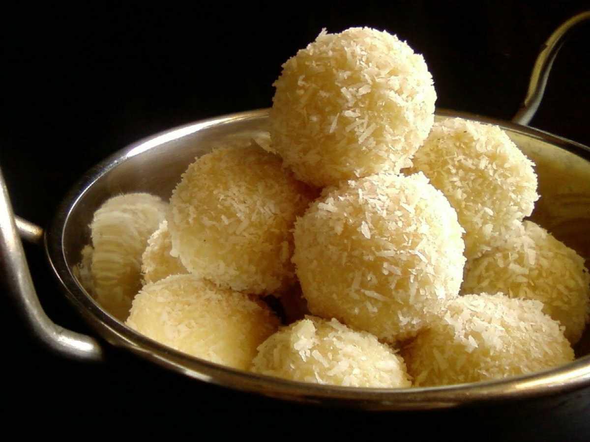 Naru, Bengali Sweets