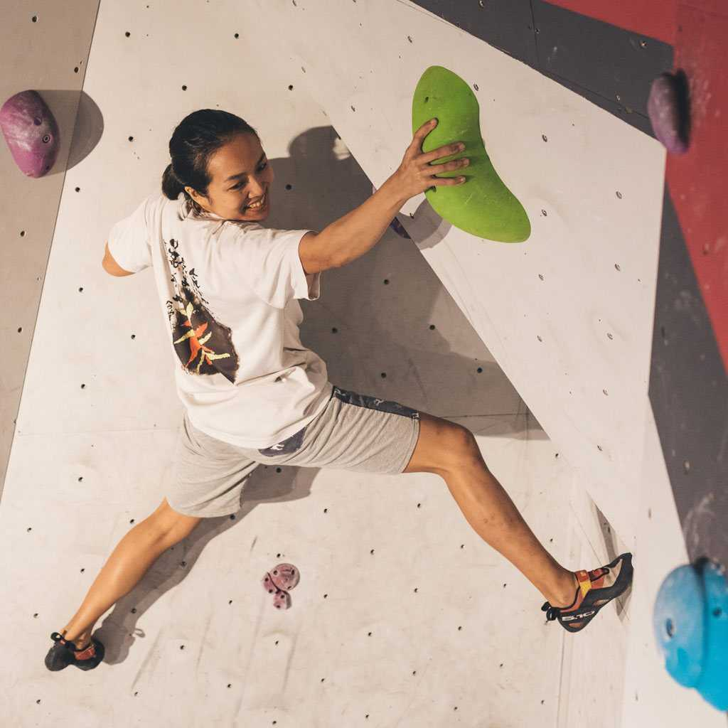 Boulder Movement for Rock Climbing in Singapore