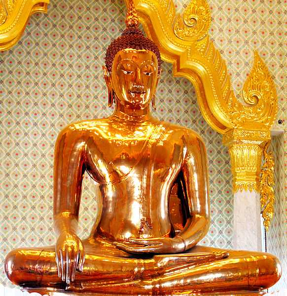Largest solid gold Buddha statue at Bangkok