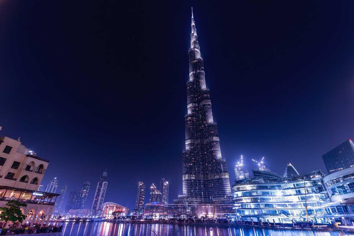 Burj Khalifa, Nightlife in Dubai