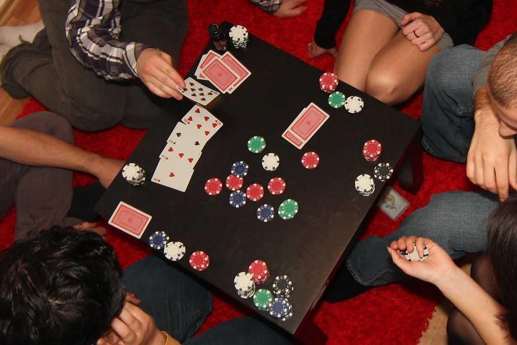 Gambling in Hotel Room in Bali