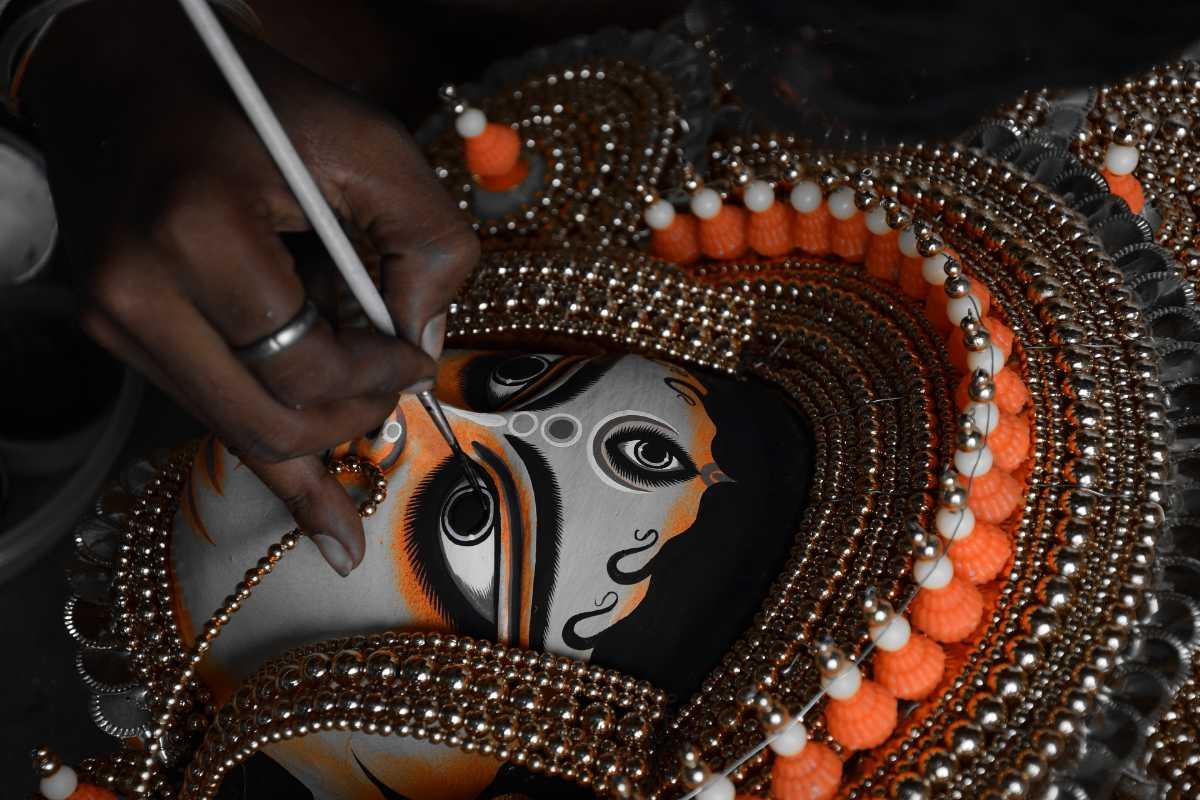 Chau mask Purulia