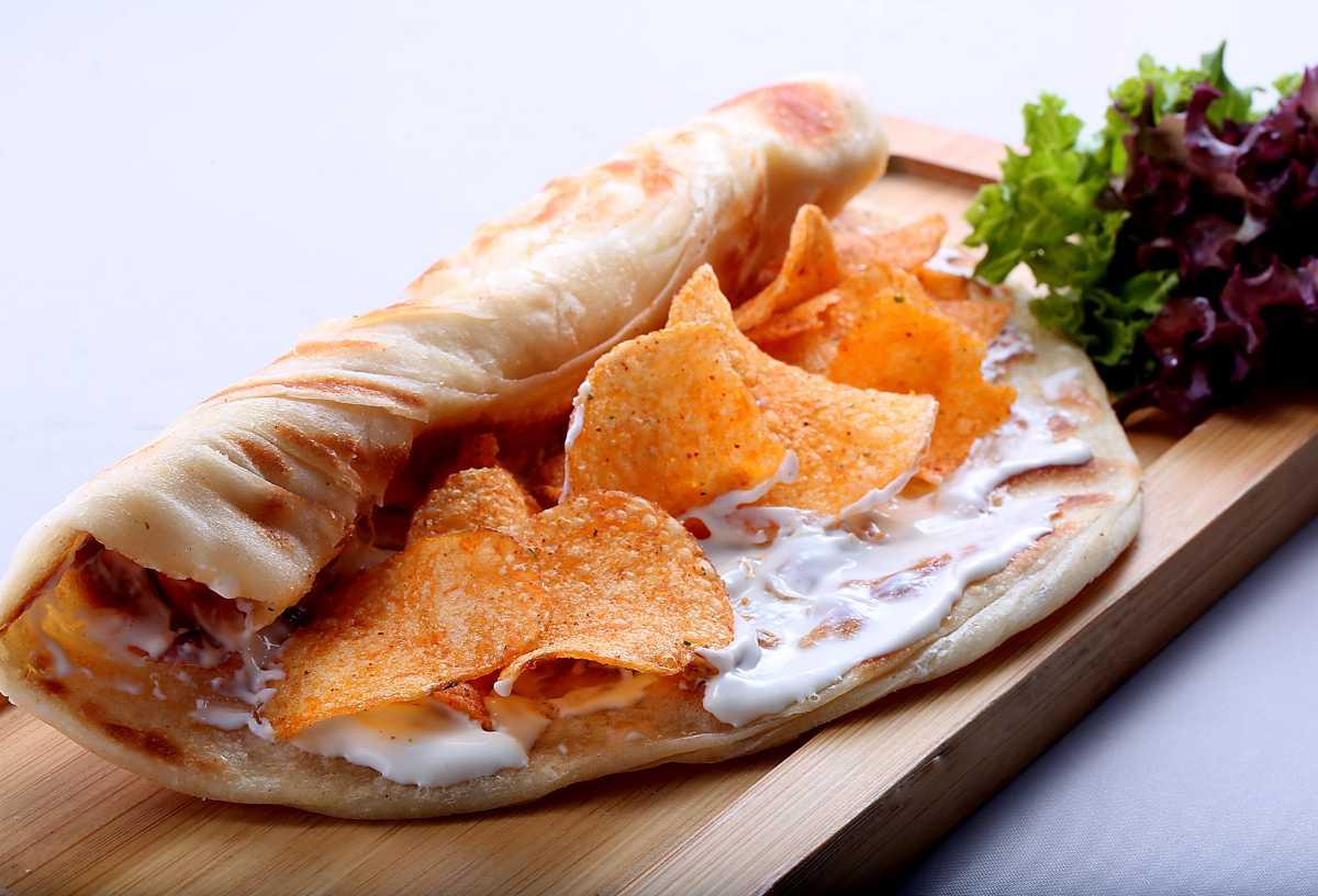 Oman Chips Roll, Street Food in Dubai