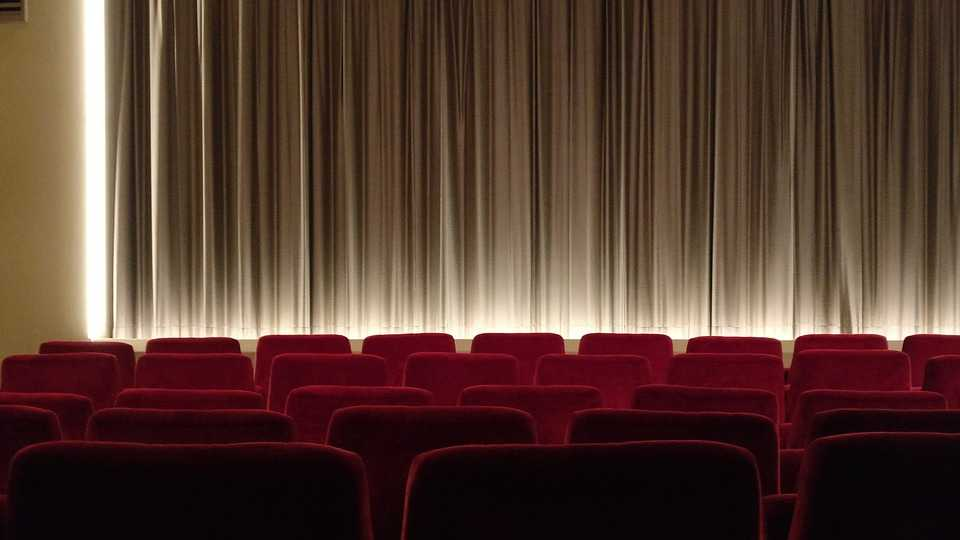 Cinema, nightlife in Delhi for singles