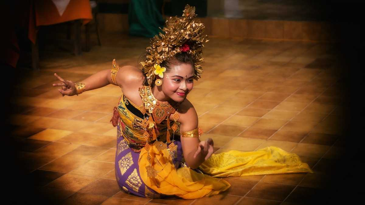 Dance of indonesia