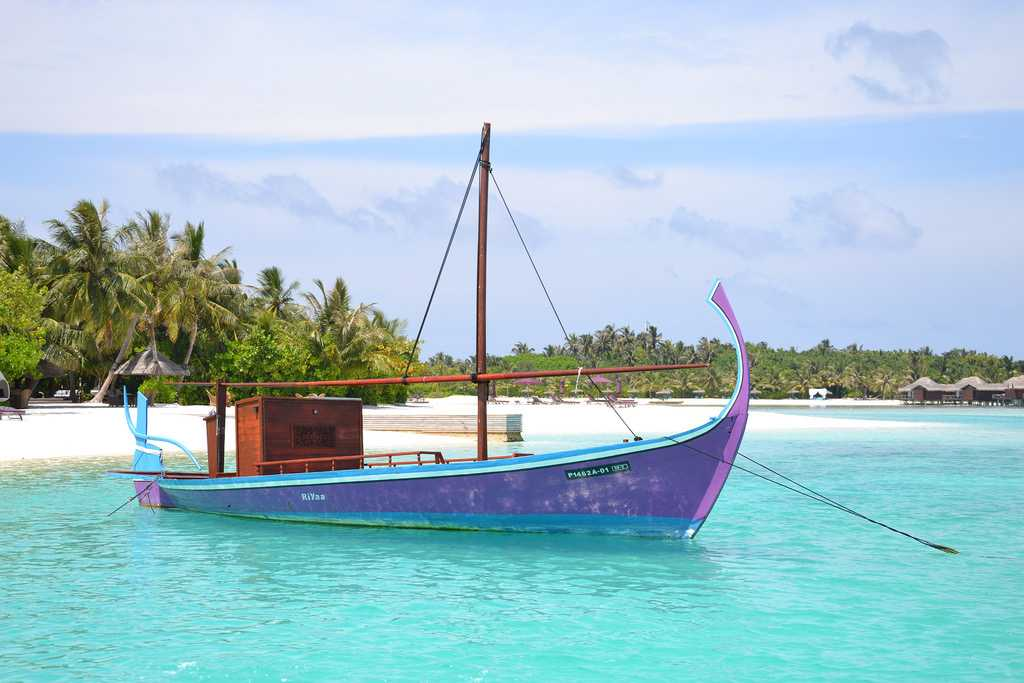 Maldivian Dhoni is one of the best local transports in Maldives