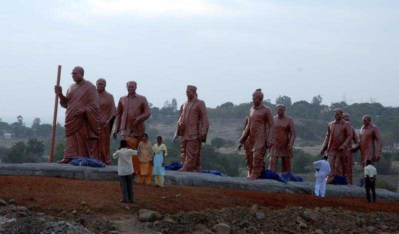 dr-ambedkar-with-his-disciples