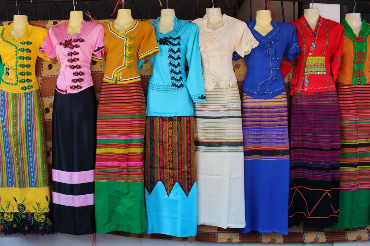 10 Traditional Dresses Of Thailand That Portray Thai Fashion Culture