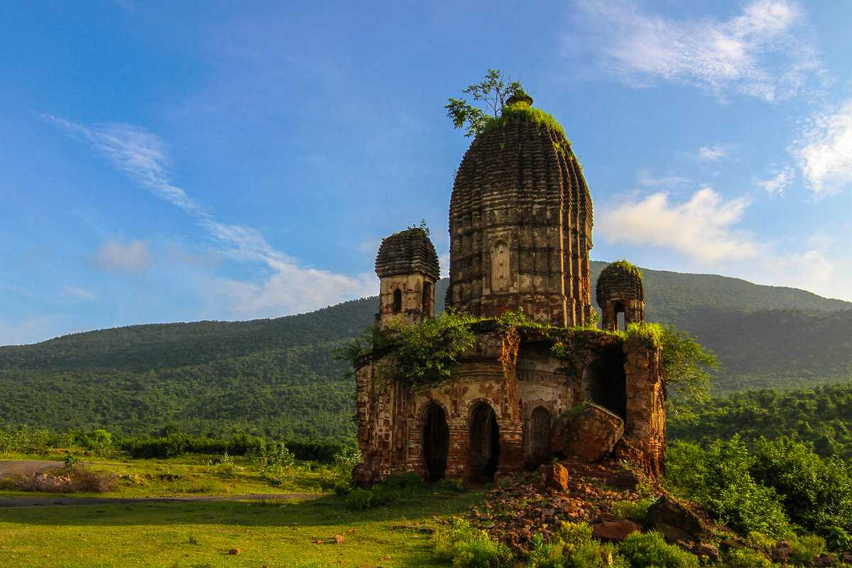 Pancharatna Temple at Garpanchkot