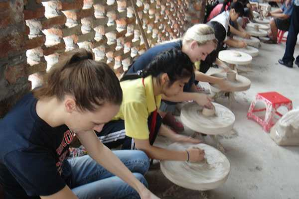 Class at Bat Trang Pottery Village for Tourists