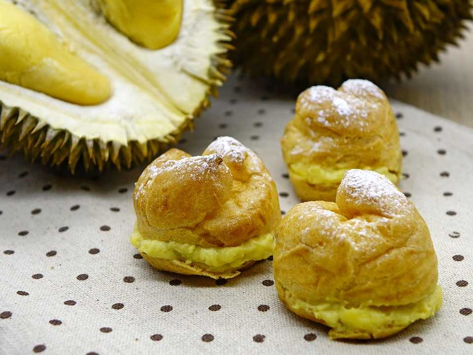 Durian Puff Pastry, Food and drinks in Singapore