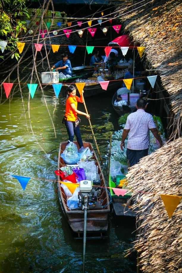 Bang Nam Phueng Floating Market Bangkok Thailand