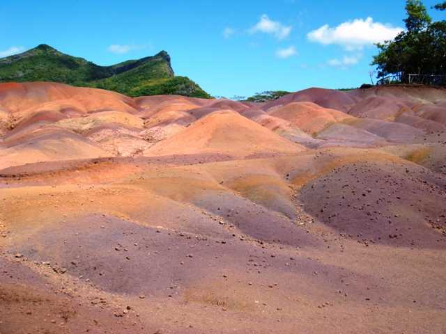 Souvenirs from Mauritius, Coloured Earth